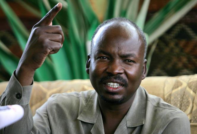 Ahmed Haroun, alors gouverneur du Kordofan du Sud, lors d'une conférence de presse à Talodi, au Soudan, en avril 2012.