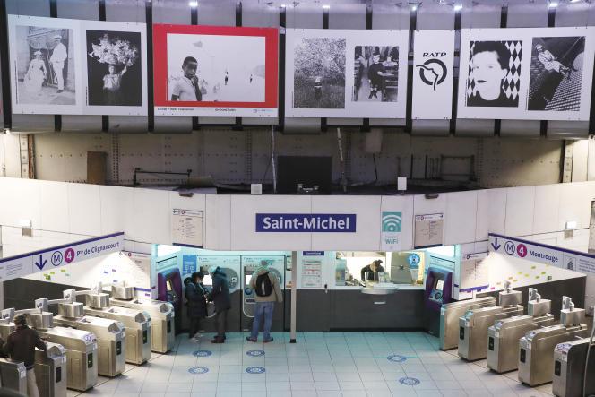 La RATP invite l'exposition «Noir et Blanc» du Grand Palais, à Paris, le 28 janvier 2021.