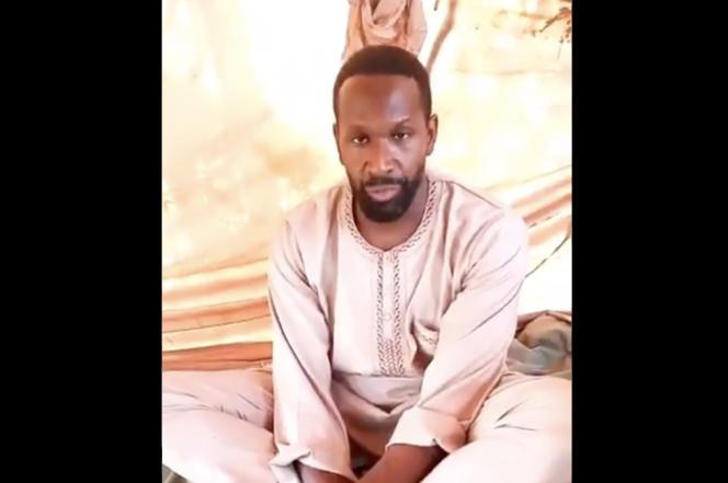 Capture d'écran de la vidéo diffusée le 4 mai et montrant Olivier Dubois affirmant qu'il est aux mains du GSIM
