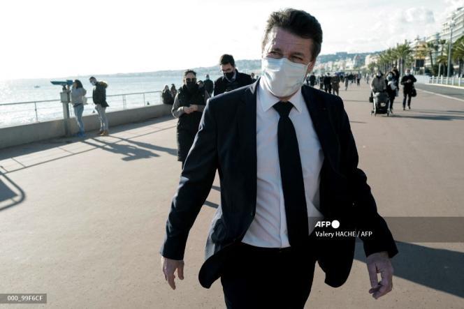 Christian Estrosi, le maire de Nice, sur la promenade des Anglais, le 18 janvier.