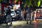 Des soldats maldiviens sécurisent la scène de l'attentat qui a visé l'ancien président Mohamed Nasheed, à Malé jeudi 6 mai.