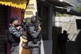 Une opération de police contre des trafiquants de drogue présumés, dans la favela de Jacarezinho, à Rio de Janeiro, le 6 mai 2021