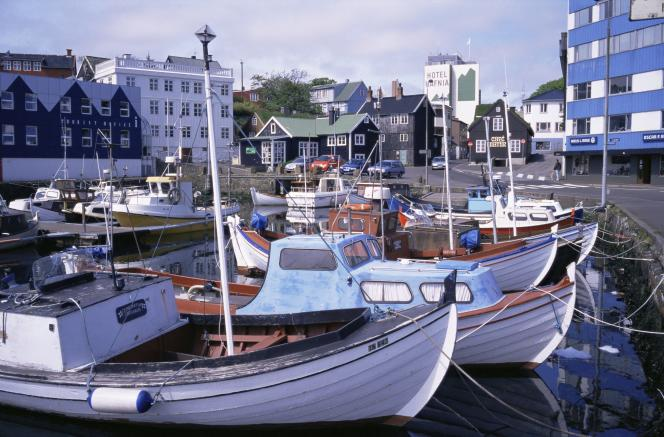 Le port de Torshavn, îles Féroé.