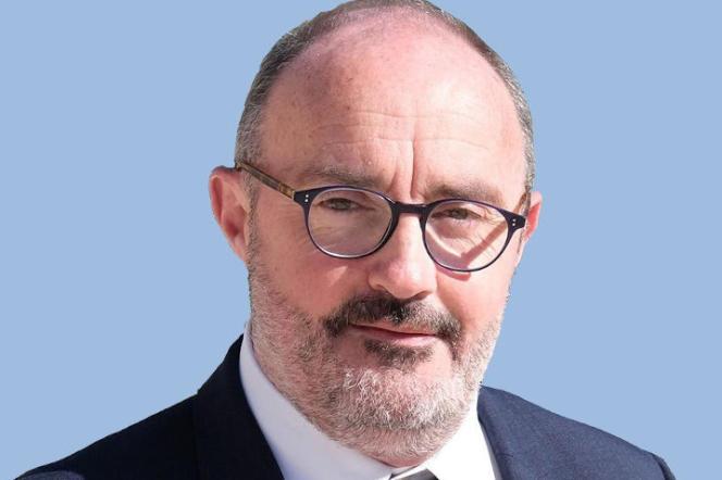 Jean-Laurent Félizia (en mars), membre d'Europe Ecologie-Les Verts, portera une liste d'union aux régionales en Provence-Alpes-Côte d'Azur .