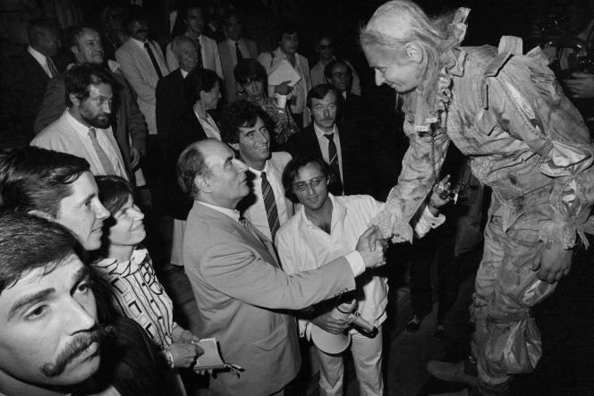 Avignon, le 10 juillet 1981. François Mitterrand, premier président de la République à se rendre au Festival.