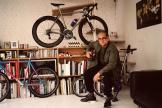 Le directeur artistique Yorgo Tloupas (ici, chez lui, à Paris, le 4 mai).
