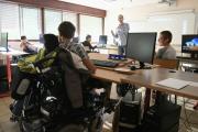 Des élèves handicapés fréquentent une classe du lycée Elie Vignal à Caluire-et-Cuire près de Lyon, le 1er septembre 2016.