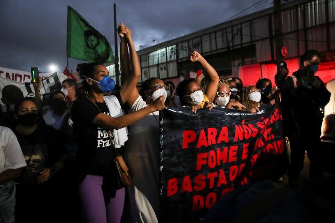 Manifestation contre les violences policières, à Rio de Janeiro, le 7 mai 2021.