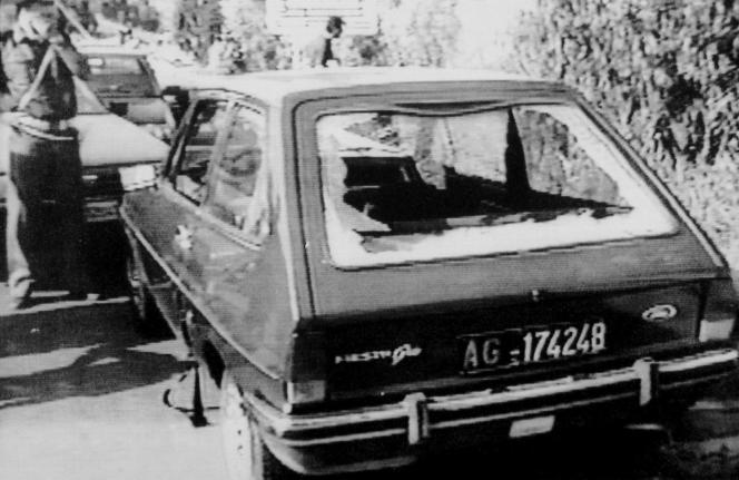 La voiture du juge Rosario Livatino, en septembre 1990, à Agrigente (Sicile).