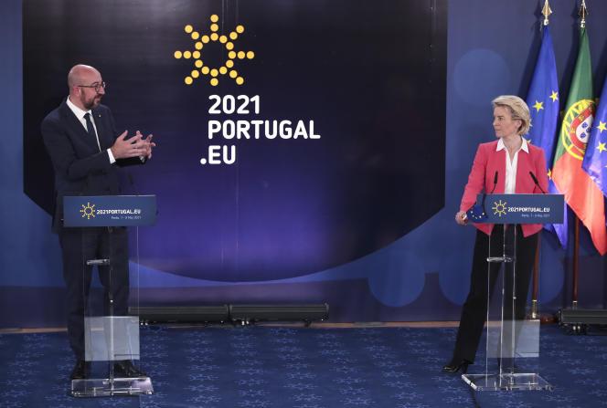 Le président du Conseil européen, Charles Michel, et la présidente de la Commission européenne, Ursula von der Leyen, le 8 mai, au sommet de Porto (Portugal).