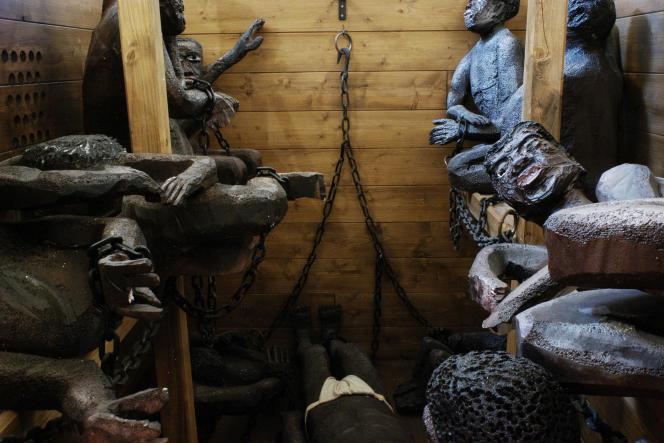 Reconstitution de la cale d'unnavire négrier. Maison de la négritude et des droits de l'homme (Champagney, Haute-Saône).