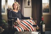 Aurélie Valognes, le8 avril, àParis, dans un salon de l'Hôtel de Saint-Germain, où elle aime écrire.