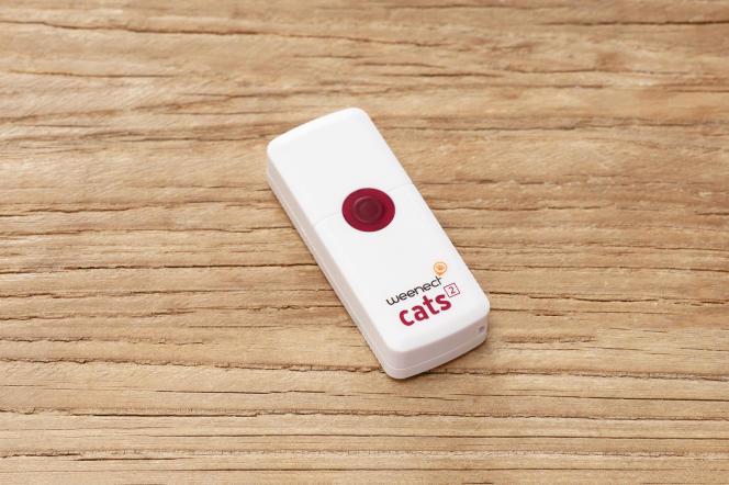 Le traceur Weenect Cats2 à fixer sur le collier de l'animal.