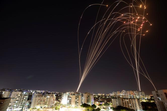 Les autorités israéliennes n'ont pas précisé combien de roquettes ont été interceptées par le système de défense aérienne «Dôme de fer».