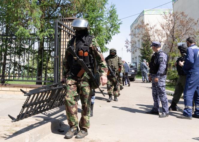 L'école n° 175, où la fusillade meutrière a eu lieu mardi 11 mai, à Kazan (Tatarstan, Fédération de Russie).