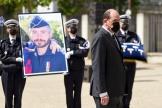 Le premier ministre Jean Castex rendant hommage au brigadier Eric Masson, à Avignon (Vaucluse), le 11 mai 2021.