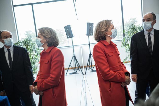 Valérie Pécresse en campagne pour les élections régionales, auprès du maire de Meaux, Jean-François Copé, le 6 mai 2021.