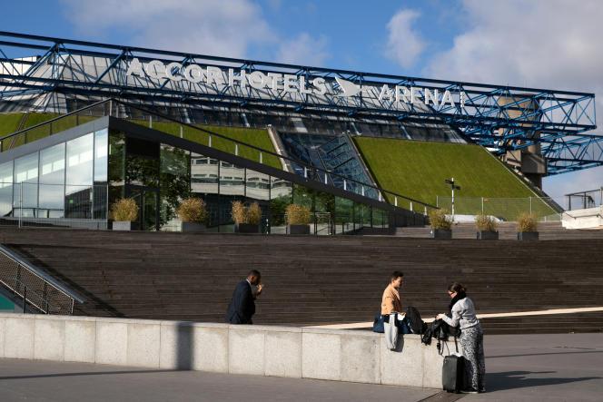 Indochine se produiradevant 5000 personnes debout, sans distanciation et portant un masque classique, le samedi 29 mai à l'Accor Arena, dans le cadre duconcert-test parisien.