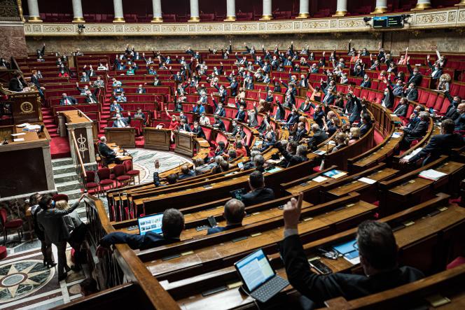 Lors du débat sur projet de loi relatif à la gestion de la sortie de la crise sanitaire, à l'Assemblée nationale, à Paris, le 12 mai 2021.