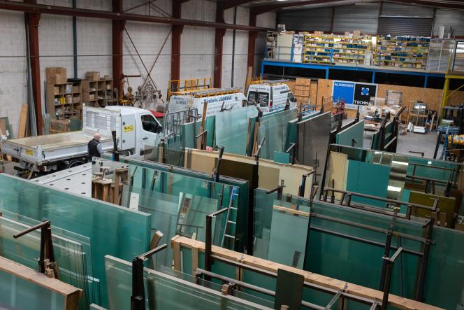 Unternehmen im Bausektor sind mit einem Rohstoffmangel konfrontiert.  Hier in einer Tischlerei in Aurillac am 7. Mai.