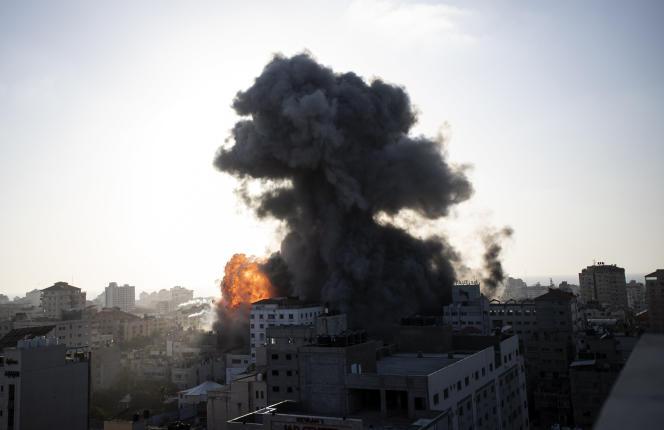 Un bâtiment bombardé par l'armée israélienne à Gaza, mercredi 12 mai 2021.