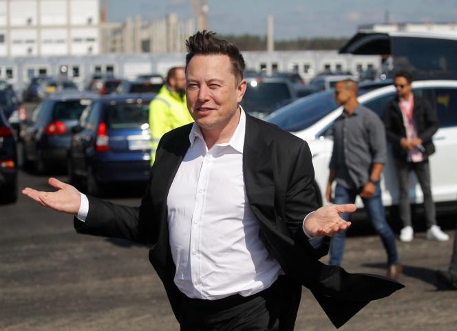 Elon Musk visiting Chantier d'une Future Usine Tesla, before Berlin, September 3, 2020.