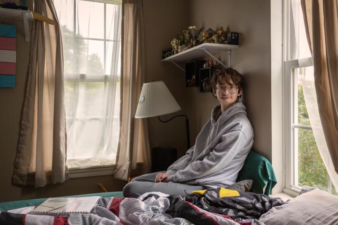 Cas Spurrier, 17 ans, dans sa chambre à Little Rock (Arkansas), le 12 mai 2021.