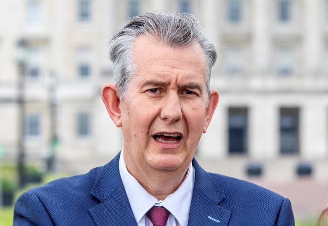 Edwin Poots, le nouveau chef du DUP (Democratic Unionist Party), le principal parti unioniste d'Irlande du Nord, lors d'une conférence de presse à Belfast, le 14 mai 2021.