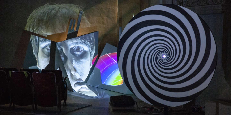 Exposition: à Nantes, une envoûtante séance d'hypnose