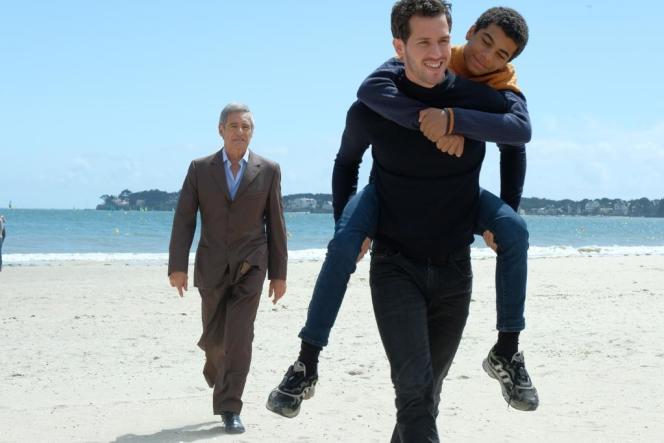 Gérard Lanvin, Victor Belmondo et Yoann Eloundou dans «Envole-moi», de Christophe Barratier.