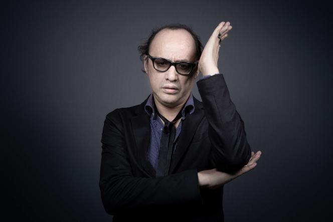 Le 12 juin 2020, le chanteur et musicien français Nicolas Ker, posant lors d'une séance photo.