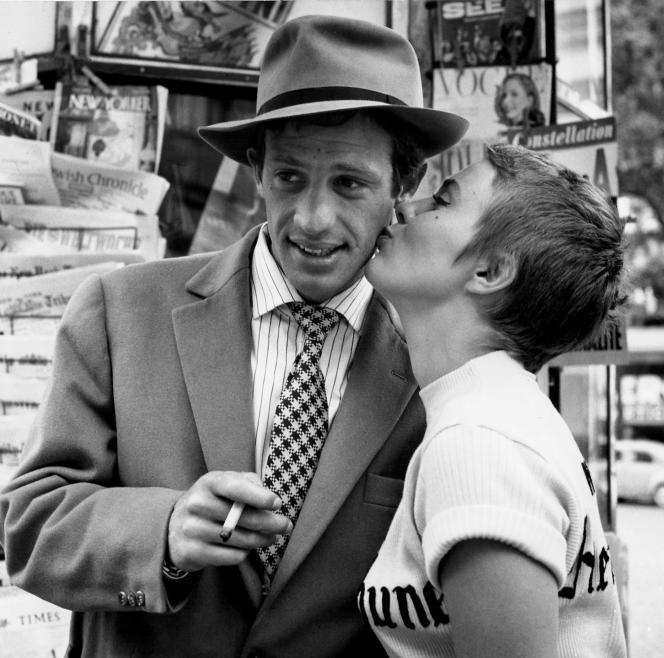 «Le Baiser des Champs-Elysées», sur le tournage d'«A bout de souffle», de Jean-Luc Godard, en 1959, avec Jean-Paul Belmondo et Jean Seberg.