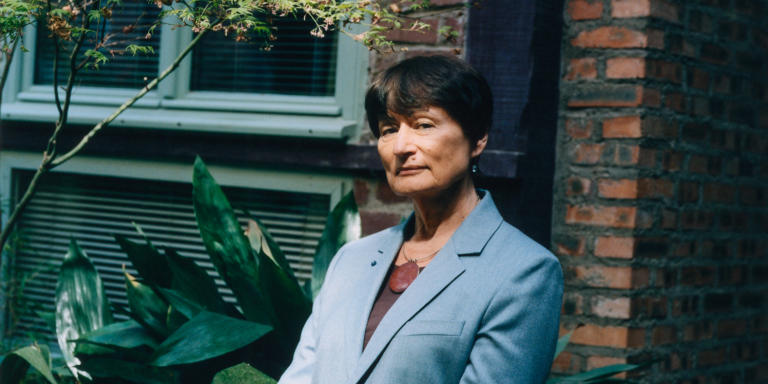 Portrait of Catherine Millet in front of her flat in the 12th arrondissement in Paris. 06/04/2021