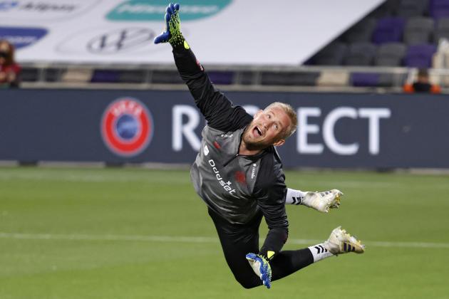 Kasper Schmeichel va devoir multiplier les parades s'il veut rejoindre le palmarès de son père Peter, emblématique gardien de la sélection danoise et de Manchester United dans les années 1990.