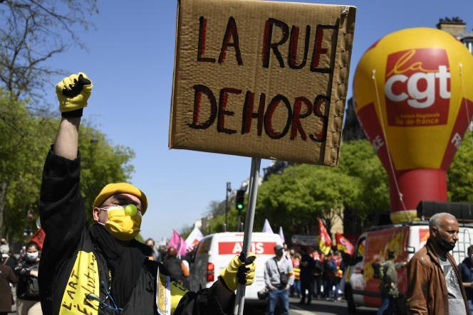 Manifestation de la CGT et de l'Union syndicale Solidaires contre laréformede l'assurance-chômage, à Paris, le 23 avril 2021.