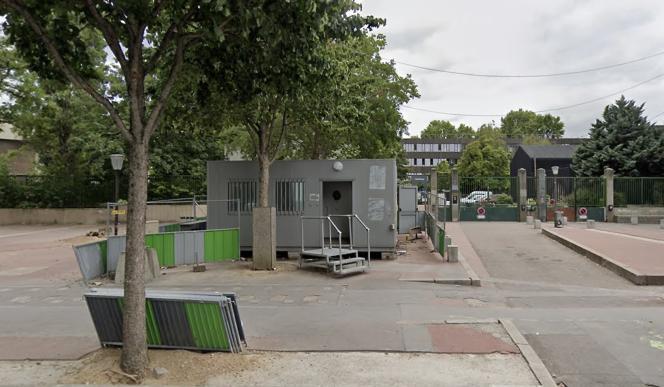 L'entrée du lycée François-Rabelais, dans le 18e arrondissement de Paris, en juin 2020.