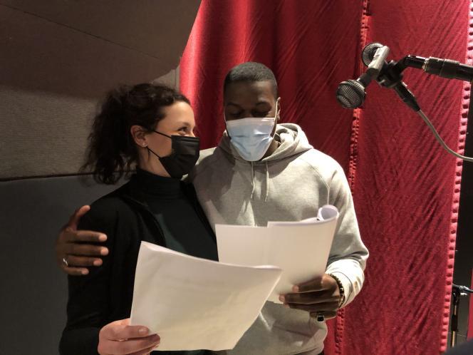 Kenza Laala (Mylène, la femme de Fabien Clain) et Teddy Chawa (Fabien Clain) enregistrent «Panda, la voix du djihad».