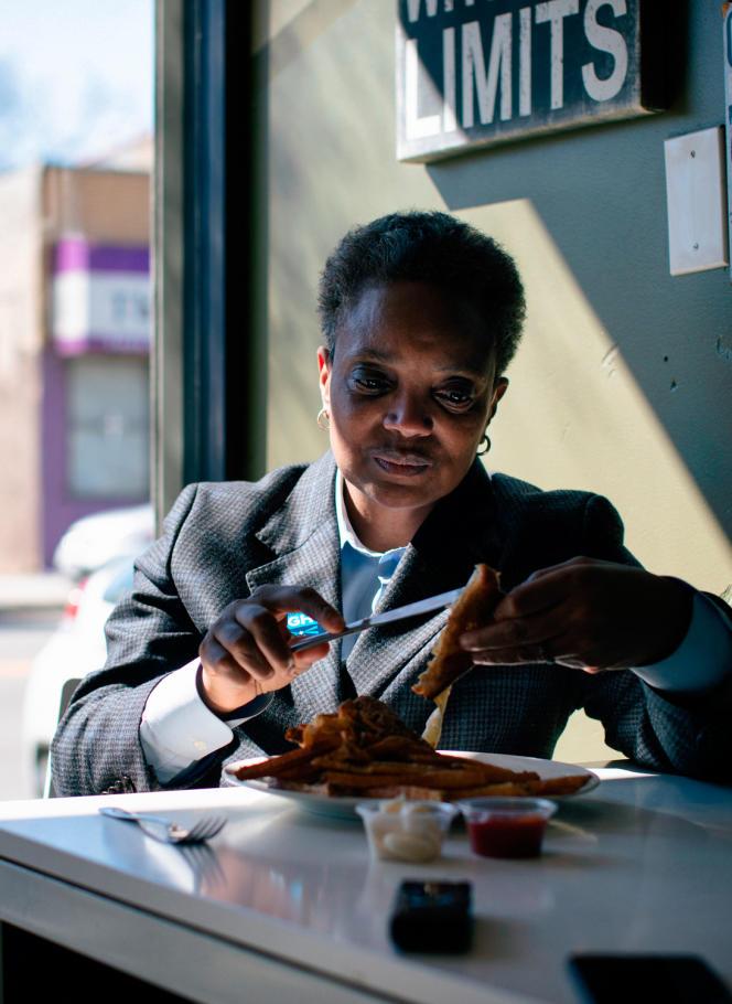 La maire de ChicagoLori Lightfoot, dans un restaurant de la ville, durant la campagne électorale.