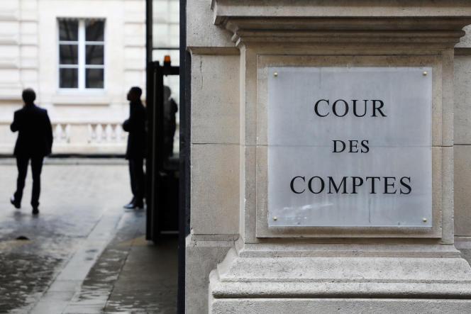 Devant la Cour des comptes, à Paris, en 2018.