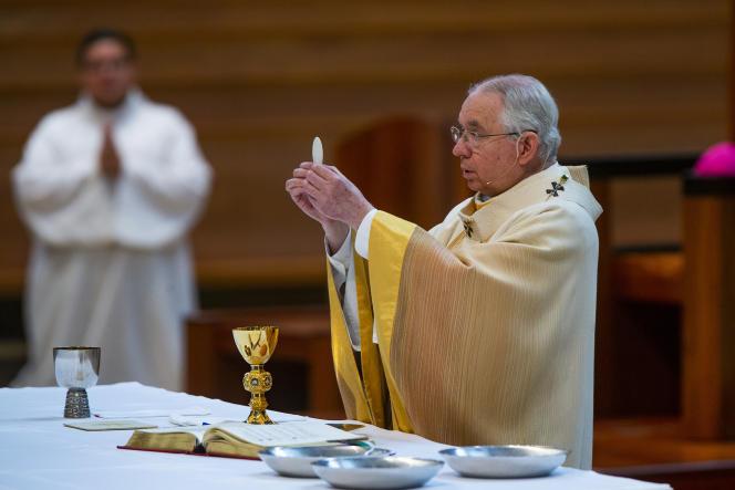 Le président de l'épiscopat américain, l'archevêque José Gomez, à Los Angeles (Californie), en juin 2020.