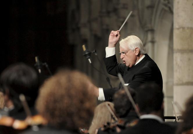 Le chef d'orchestre espagnol Cristobal Halffter le 19 septembre 2008, lors de l'inauguration du Festival d'orgue de cathédrale de Leon (Espagne).