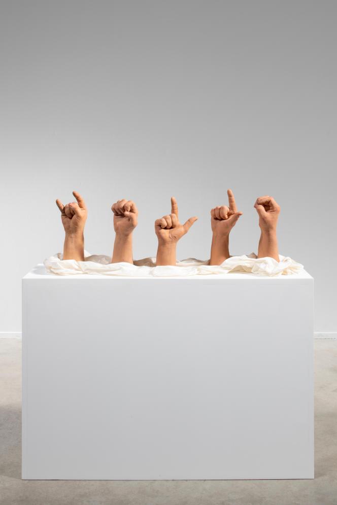 « Hello», 2014, Courtesy Galerie, G-P & N Vallois (Paris) –GILLES BARBIER – TRAVAILLER LE DIMANCHE. HAB GALERIE – VOYAGE À NANTES.