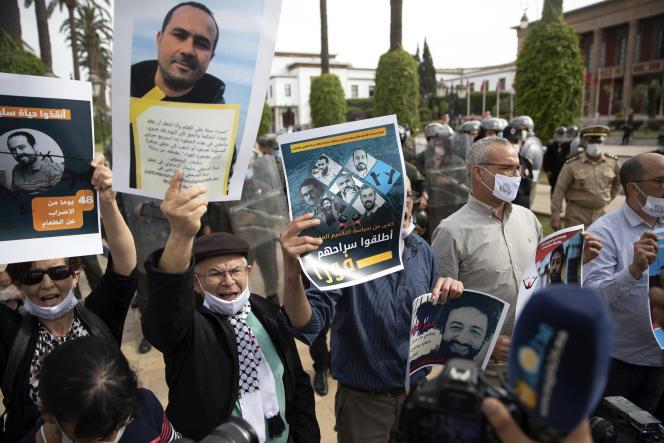 Manifestation de soutien aux journalistes Soulaimane Raissouni et Omar Radi, le 25mai, à Casablanca.