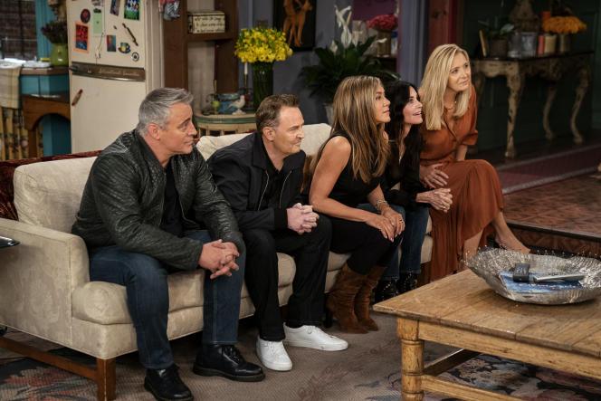 "From left to right: Matt LeBlanc, Matthew Perry, Jennifer Aniston, Courteney Cox and Lisa Kudrow, on ""Friends: The Reunion""."