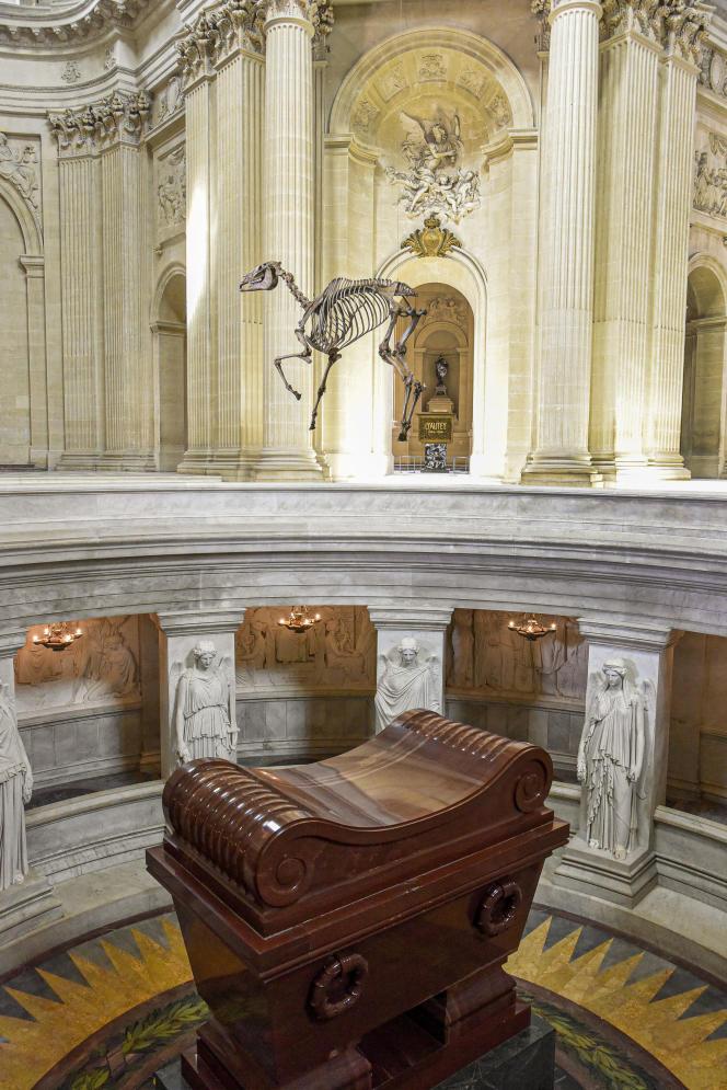 Pascal Convert : «Memento Marengo», 2021, désarticulation et reconstitution à partir du scan 3D du squelette du cheval Marengo conservé au National Army Museum à Londres, fabrication Iconem et CHD Art Maker, scan 3D.