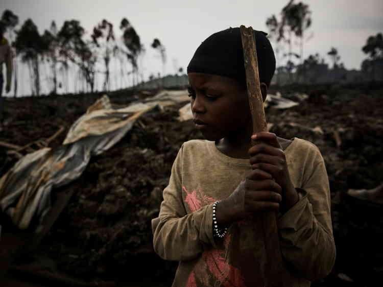 La policía y el ejército se movilizaron para proteger Goma y sus alrededores.  Según el gobierno, se puso en marcha un