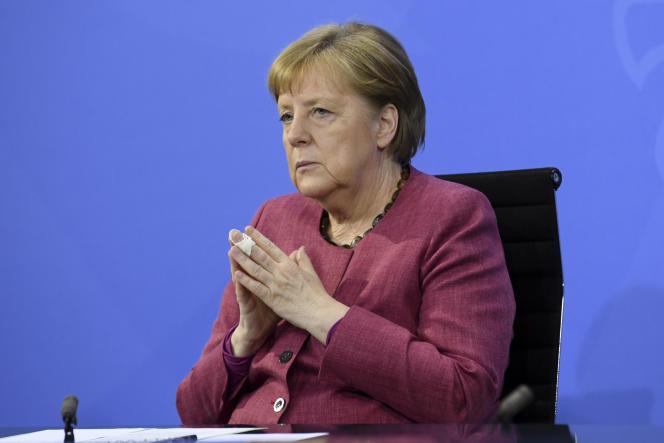 La chancelière allemande Angela Merkel lors d'une conférence de presse après la visioconférence avec les chefs des 16Länder du pays à Berlin, le 27 mai 2021.