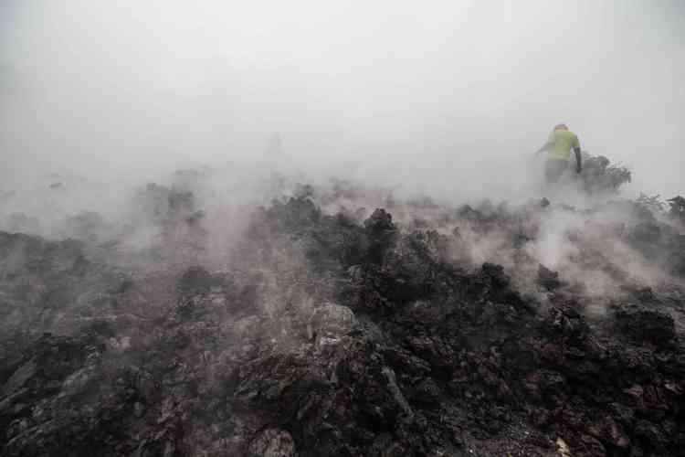 La principal erupción anterior de Nyiragongo, el 17 de enero de 2002, mató a unas 100 personas.  El más mortífero, en 1977, con más de 600 muertos.