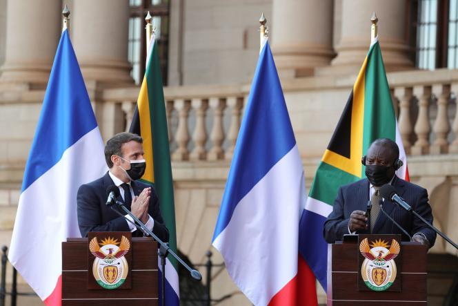 Le président français Emmanuel Macron et son homologue sud-africain Cyril Ramaphosa, à Pretoria, en Afrique du Sud, le 28 mai 2021.