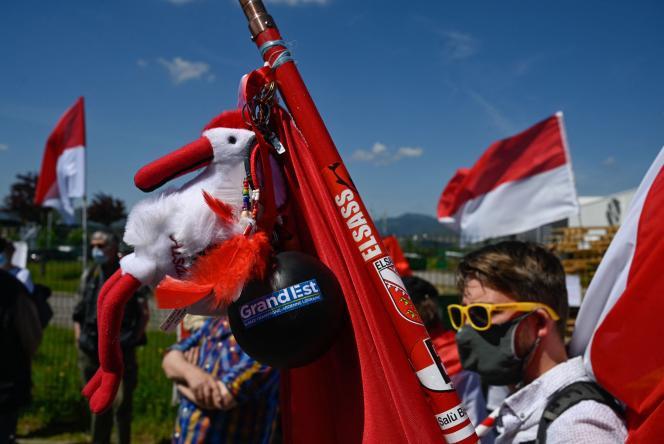 Environ 200 personnes ont manifesté samedi 29 mai à Colmar, en Alsace, pour défendre les langues régionales.